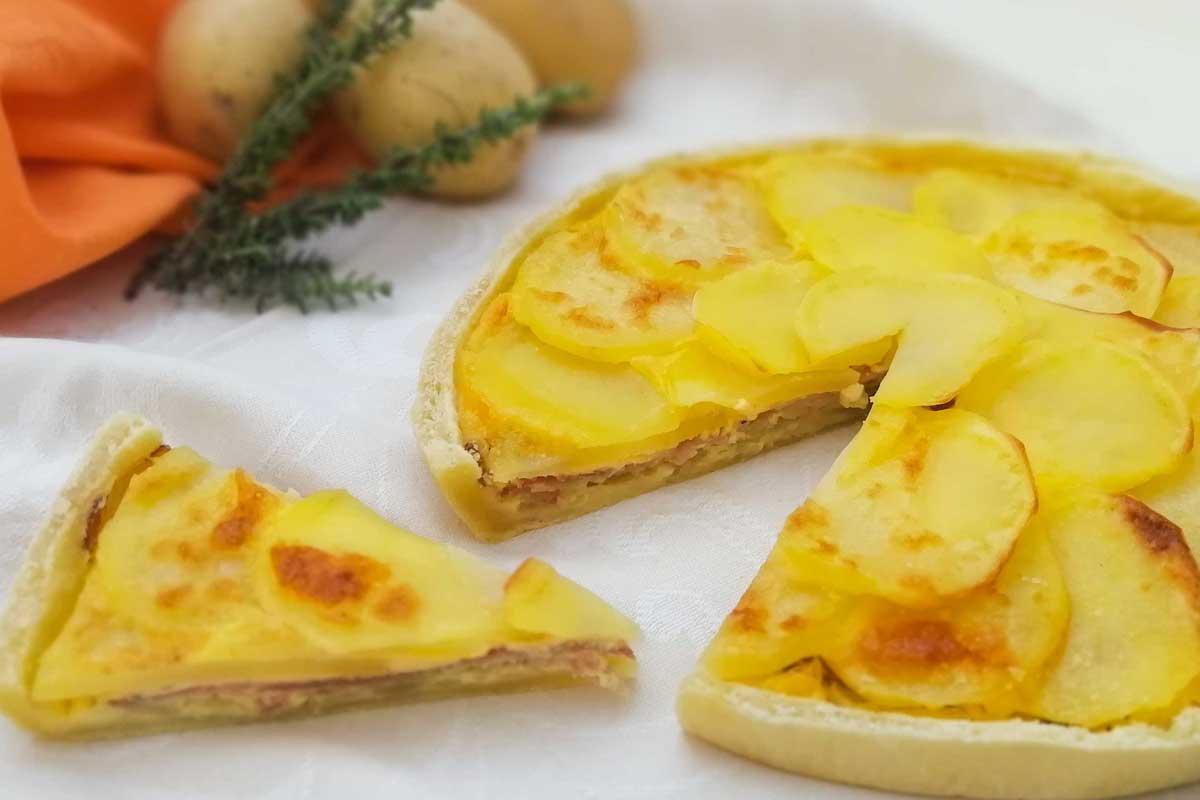 Torta di Patate di Bologna D.O.P., speck e cipolla