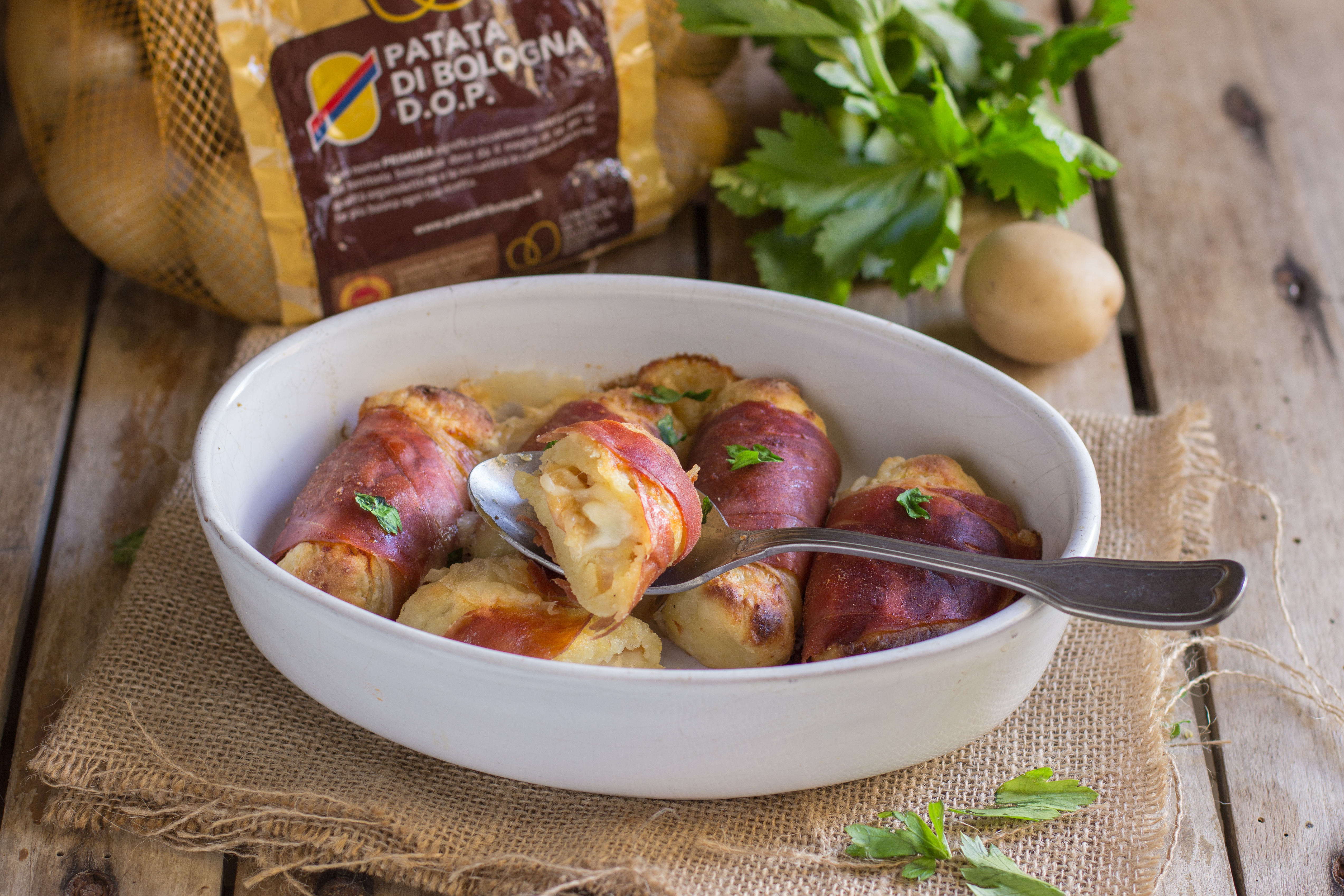 Involtini di Patata di Bologna D.O.P. e prosciutto.