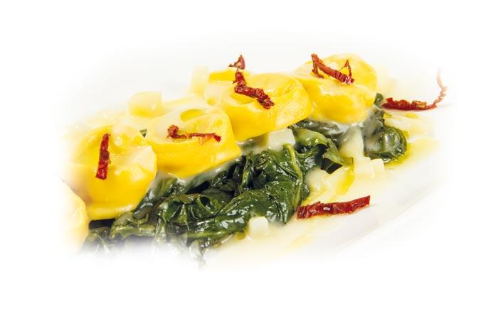 Patata di Bologna DOP - ricette - Tortelli di Patate di Bologna D.O.P. con bietoline, aglio, olio, pomodori secchi e cremina leggera di Patata.